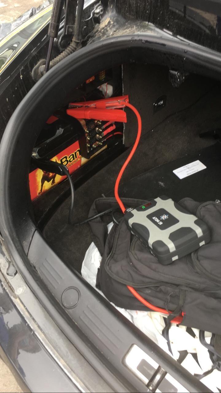 Прикурить автомобиль пусковым устройством